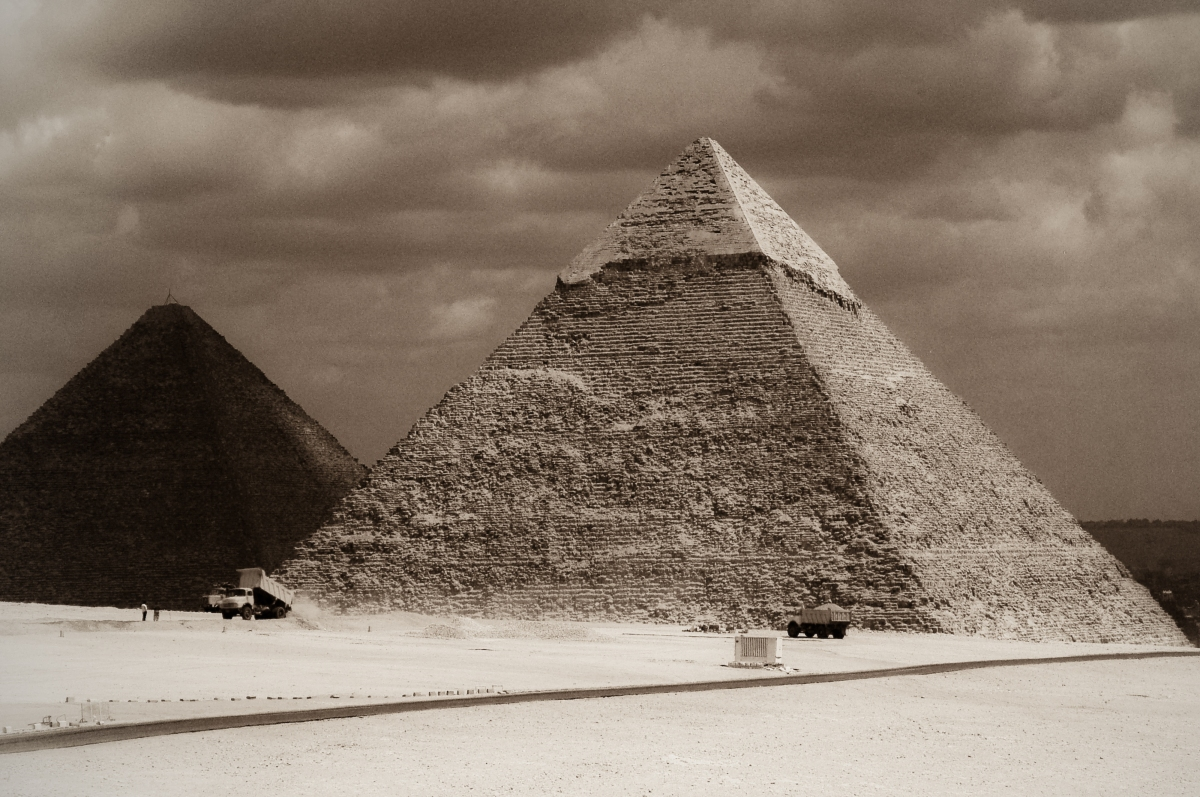 Just how WERE the Pyramids of Giza built?